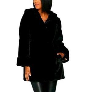 Basso Luxury Faux Fur Coat